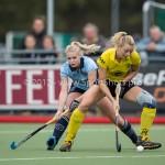 Hockey Hoofdklasse Dames 2012/2013 Laren - De Terriers: (L-R) Lisanne de Lange of Laren, Emma Driehuis of de Terriers