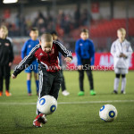 12-02-2016: Voetbal: Almere City FC v FC Eindhoven: Latje tik