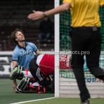 06-03-2016: Hockey: Amsterdam v HGC: Amsterdam (L-R) Tom Hiebendaal (HGC), Laurens Goedegebuure (Amsterdam) Hoofdklasse Heren 2015 / 2016