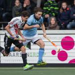 06-03-2016: Hockey: Amsterdam v HGC: Amsterdam (L-R) Johannes Mooij (Amsterdam), Tom Hiebendaal (HGC) Hoofdklasse Heren 2015 / 2016