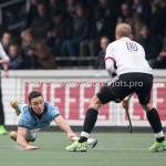 06-03-2016: Hockey: Amsterdam v HGC: Amsterdam (L-R) Phil Burrows (HGC), Billy Bakker (Amsterdam) Hoofdklasse Heren 2015 / 2016