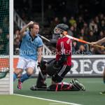06-03-2016: Hockey: Amsterdam v HGC: Amsterdam (L-R) Rik van Kan (HGC), Laurens Goedegebuure (Amsterdam), Tom Hiebendaal (HGC) Hoofdklasse Heren 2015 / 2016