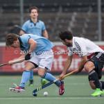 06-03-2016: Hockey: Amsterdam v HGC: Amsterdam (L-R) Rik van Kan (HGC), Valentin Verga (Amsterdam) Hoofdklasse Heren 2015 / 2016