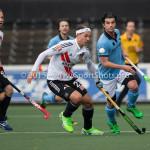 06-03-2016: Hockey: Amsterdam v HGC: Amsterdam (L-R) Justin Reid-Ross (Amsterdam), Vincent Spitaels (HGC) Hoofdklasse Heren 2015 / 2016