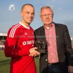 29-04-2016: Voetbal: Almere City FC v Jong PSV: Almere Ricardo Kip (Almere City FC) bronze stier voor beste speler van de vierde periode Jupiler League 2015 / 2016