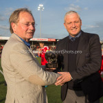 29-04-2016: Voetbal: Almere City FC v Jong PSV: Almere Jack de Gier - Hoofdtrainer (Almere City FC) bronze stier voor beste trainer van de vierde periode  Jupiler League 2015 / 2016