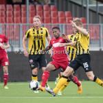 13-08-2016: Voetbal: Jong Almere City FC v Rijnsburgse Boys: Almere (L-R) Joy Schoonhoven (Jong Almere City FC), Wesley Goeman (Rijnsburgse Boys) 3de divisie zaterdag 2016 /2017