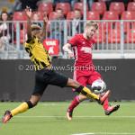 13-08-2016: Voetbal: Jong Almere City FC v Rijnsburgse Boys: Almere (L-R) Joël Tillema (Rijnsburgse Boys), Jasper Waalkens (Almere City FC) 3de divisie zaterdag 2016 /2017