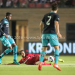 14-10-2016: Voetbal: Almere City FC v Jong PSV: Almere (L-R) Suently Alberto (Jong PSV), Yener Arica (Almere City FC) Jupiler League 2016 / 2017