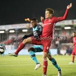 14-10-2016: Voetbal: Almere City FC v Jong PSV: Almere (L-R) Leandro Fernandes (Jong PSV), Sven Braken (Almere City FC) Jupiler League 2016 / 2017
