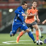25-10-2016: Voetbal: FC Volendam v Almere City FC: Volendam Tom Overtoom (Almere City FC) KNVB Beker 2e ronde 2016 / 2017