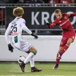 05-01-2017: Voetbal:Almere City FC v FC Groningen: Almere (L-R) Desevio Payne (FC Groningen), Silvester van de Water (Almere City FC) Oefenwedstrijd 2016 /2017