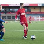 14-01-2017: Voetbal: Jong Almere City v Harkemase Boys: Almere (L-R) Simon IJzerman (Harkemase Boys), Maarten Davids (Almere City FC) 3de divisie zaterdag 2016 /2017