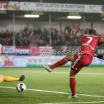 06-02-2017: Voetbal: Almere City FC v FC Emmen: Almere (L-R) Dennis Telgenkamp (FC Emmen), Sherjill Mac-Donalds (Almere City FC) Seizoen 2016 / 2017