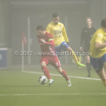 Voetbal: Almere City v SC Cambuur: Almere (L-R) Tom Overtoom (Almere City FC), Stefano Lilipaly (SC Cambuur) Jupiler League 2016 / 2017
