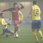 Voetbal: Almere City v SC Cambuur: Almere (L-R) Omar El Baad (SC Cambuur), Tom Overtoom (Almere City FC) Jupiler League 2016 / 2017