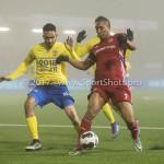 Voetbal: Almere City v SC Cambuur: Almere (L-R) Marvin Peersman (SC Cambuur), Sherjill Mac-Donalds (Almere City FC) Jupiler League 2016 / 2017