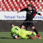 18-02-2017: Voetbal: Jong Almere City FC v IJsselmeervogels: Almere (L-R) Jaimy Schaap (Ijsselmeervogels), Marciano van Leijenhorts (Ijsselmeervogels) 3de divisie zaterdag 2016 /2017