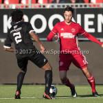 18-02-2017: Voetbal: Jong Almere City FC v IJsselmeervogels: Almere (L-R) Shanon Carmelia (Ijsselmeervogels), Khalid Tadmine (Almere City FC) 3de divisie zaterdag 2016 /2017