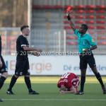 18-02-2017: Voetbal: Jong Almere City FC v IJsselmeervogels: Almere (L-R) Chris van Hussen (Ijsselmeervogels), P. Henshuijs (Scheidsrechter) 3de divisie zaterdag 2016 /2017