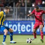 24-02-2017: Voetbal: Almere City FC v FC Oss: Almere (L-R) Rick Stuy van den Herik (FC Oss), Sherjill Mac-Donalds (Almere City FC) Jupiler League 2016 / 2017