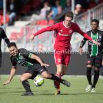 09-09-2017: Voetbal: Jong Almere City FC v Scheveningen: Almere (L-R) Samir El Moussaoui (SVV Scheveningen), Dennis van der Heijden (Jong Almere City FC) 3de divisie zaterdag 2017 / 2018