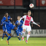 16-10-2017: Voetbal: Jong Ajax v Almere City FC: Amsterdam (L-R) Achille Vaarnold (Almere City FC), Daley Sinkgraven (Jong Ajax) Jupiler League 2017 / 2018