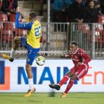 20-10-2017: Voetbal: Almere City FC v SC Cambuur: Almere (L-R) Marvin Peersman (SC Cambuur), Achille Vaarnold (Almere City FC) Jupiler League 2017 / 2018