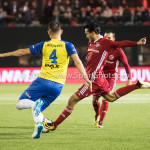 20-10-2017: Voetbal: Almere City FC v SC Cambuur: Almere (L-R) Matthew Steenvoorden (SC Cambuur), Ezra Walian (Almere City FC) Jupiler League 2017 / 2018