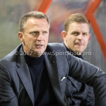 26-10-2017: Voetbal: Almere City FC v AZ: Almere John van den Brom - Hoofdtrainer (AZ) KNVB Beker 2e ronde 2017 / 2018