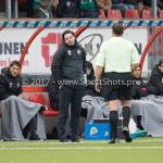 18-11-2017: Voetbal: Jong Almere City v VVOG: Almere (L-R) Ivar van Dinteren - Hoofdtrainer (Jong Almere City FC), F.E. ter Brake (Scheidsrechter) 3de divisie zaterdag 2017 / 2018