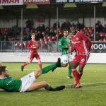 18-11-2017: Voetbal: Jong Almere City v VVOG: Almere (L-R) Jan Jurriën Hop (VVOG), Kenneth Aninkora (Jong Almere City FC) 4-2 3de divisie zaterdag 2017 / 2018