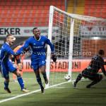 01-12-2017: Voetbal: FC Volendam v Almere City FC: Volendam (L-R) Silvester van de Water (Almere City FC), Arsenio Valpoort (Almere City FC), Hobie Verhulst (FC Volendam) Jupiler League 2017 / 2018