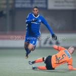 01-12-2017: Voetbal: FC Volendam v Almere City FC: Volendam (L-R) Sherjill Mac-Donalds (Almere City FC), Gijs Small (FC Volendam) Jupiler League 2017 / 2018