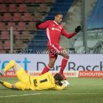 12-01-2018: Voetbal: FC Den Bosch v Almere City FC: Den Bosch (L-R) goalkeeper Kees Heemskerk (FC Den Bosch), Arsenio Valpoort (Almere City FC) Jupiler League 2017 / 2018