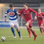 13-01-2018: Voetbal: Jong Almere City v Spakenburg: Almere (L-R) Sten Vreekamp (SV Spakenburg), Nicky van Hilten (Jong Almere City FC) 3de divisie zaterdag 2017 / 2018