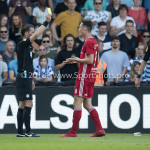 20-05-2018: Voetbal: De Graafschap v Almere City FC: Doetinchem (L-R) Danny Makkelie (Scheidsrechter), Dennis van der Heijden (Almere City FC) Jupiler League finale play-offs 2017 / 2018